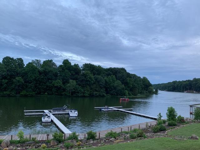 Lakeside dining at Tims at Lake Anna, VA