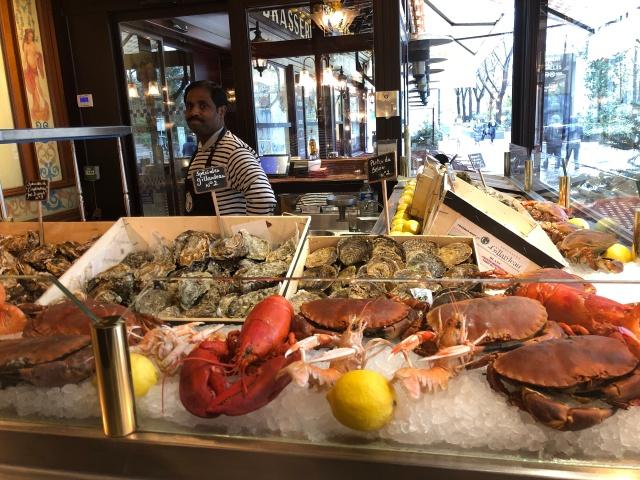 The seafood counter at Au Pied de Cochon in Paris, France